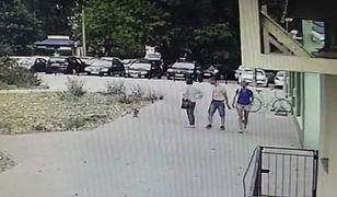 Kopnął psa i odszedł. Policja publikuje nagranie