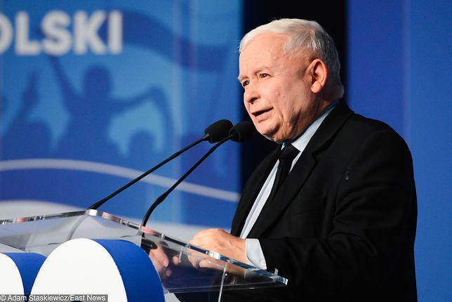 """Wybory parlamentarne 2019. Sondaże osłabiają czujność PiS. Jarosław Kaczyński stawia swój """"obóz"""" do pionu"""