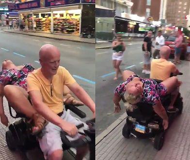 Pijana Brytyjka w Benidorm. Jej przejazd na wózku elektrycznym rozbawił internautów