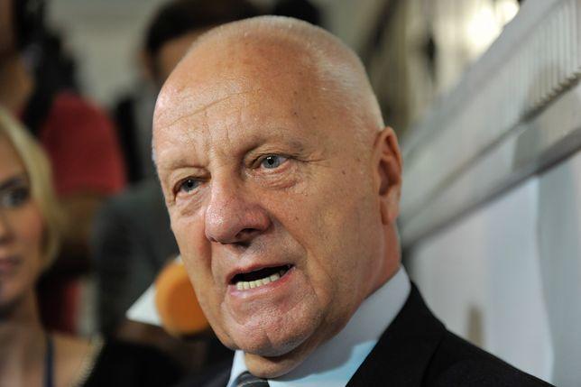 Stefan Niesiołowski postuluje obniżenie pensji parlamentarzystów do poziomu średniej krajowej