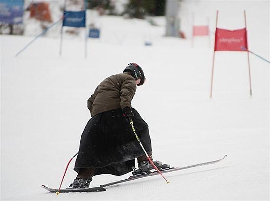W sutannie i na nartach - zobacz zdjęcia