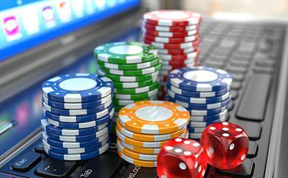 Celnicy upominają sieciowych hazardzistów