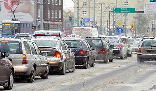Prezydent Wrocławia chce, żeby mieszkańcy pozbyli się połowy samochodów