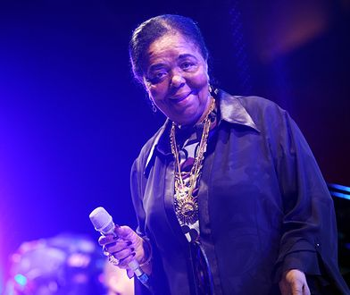 ROME - APRIL 22: Singer Cesaria Evora performs on stage during the Nat Geo Music Concert to celebrate the Heart Day at Campidoglio Square on April 22, 2008 in Rome, Italy. (Photo by Elisabetta Villa/Getty Images)