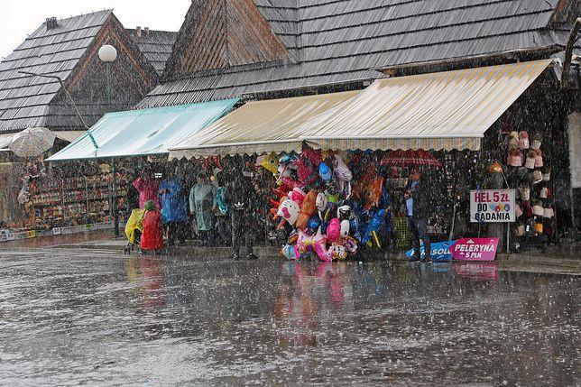 """""""Co robić w Zakopanem w czasie deszczu?"""" - to pytanie, jakie zadaje sobie wielu turystów, którzy odwiedzają stolicę Tatr"""
