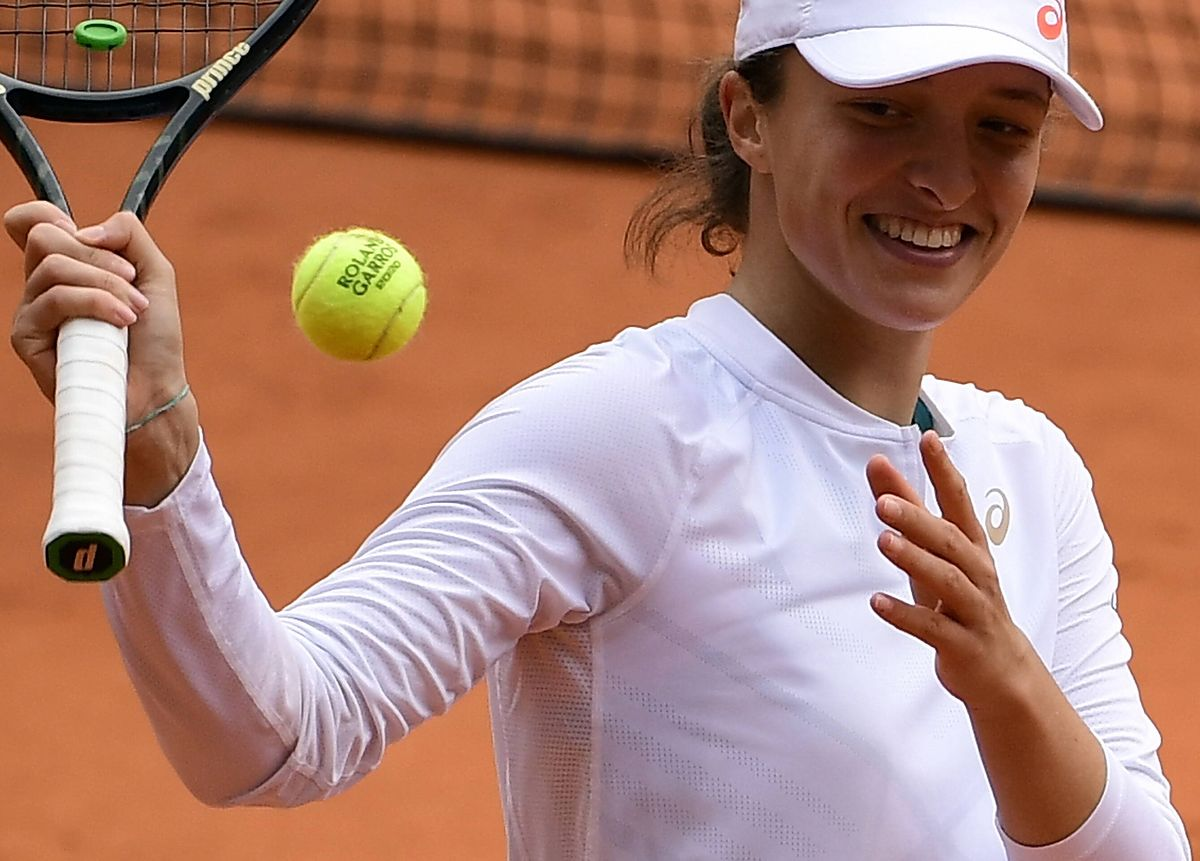 Tenis. Roland Garros. Iga Świątek w finale