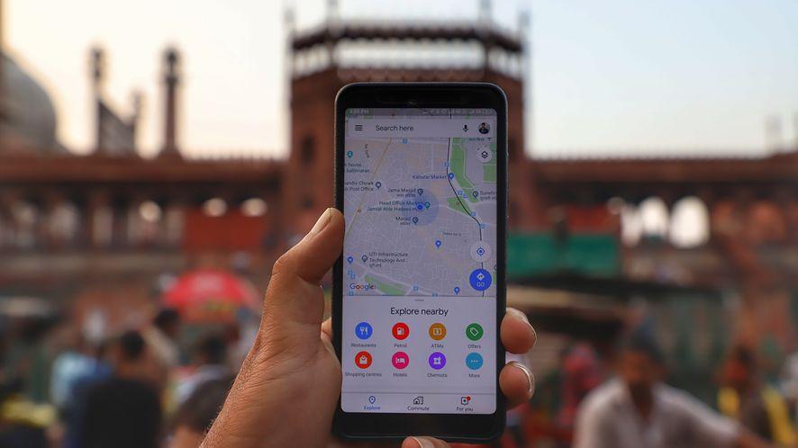 Aplikacja Google Maps staje się coraz bardziej społecznościowa.