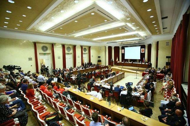 Referendum w stolicy. Rada Warszawy odwołała się od decyzji wojewody