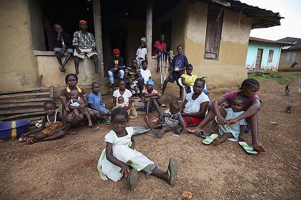 AP: kraje dotknięte epidemią eboli czują się porzucone przez Afrykę