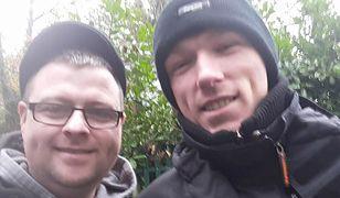 Odnalazł brata po 28 latach. Przypadkiem poczęstował go papierosem na ulicy