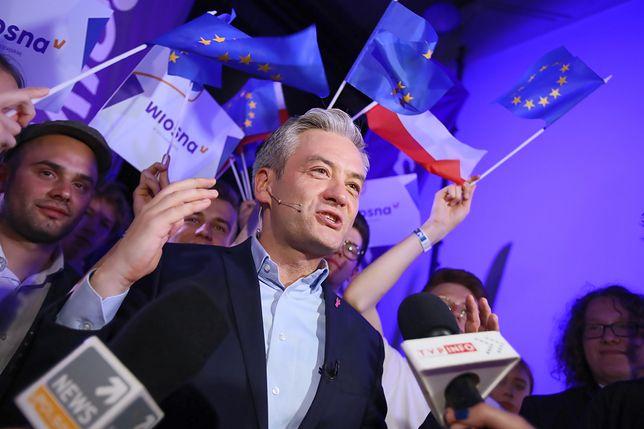 """Robert Biedroń komentuje wynik wyborów. """"Tylko Wiosna może odsunąć PiS od władzy"""""""
