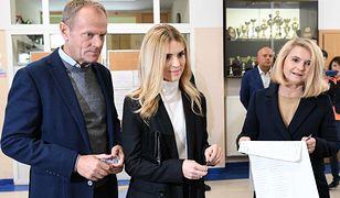 Katarzyna Tusk postawiła na prostą stylizację na wyborach
