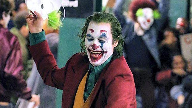 """Warner Bros. nie zasypuje gruszek w popiele. Prace nad """"Joker 2"""" podobno już trwają"""