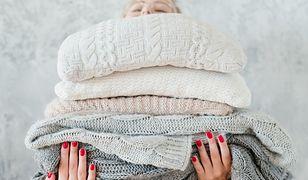 Jak uratować zmechacone ubrania? Wykorzystaj proste i domowe sposoby