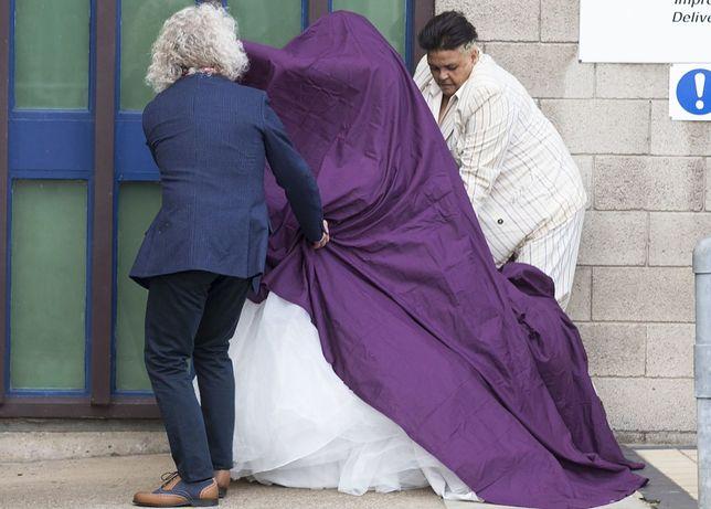 Paula Salvador w drodze na ślub w więzieniu.