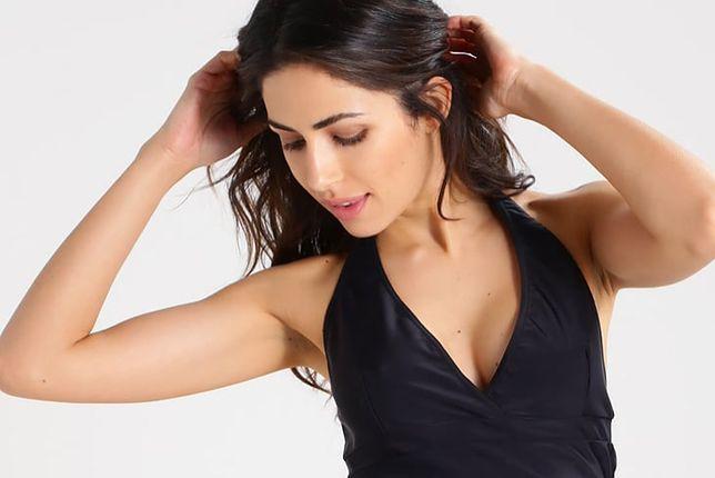 Tankini, czyli majtki i koszulka zakrywająca brzuch