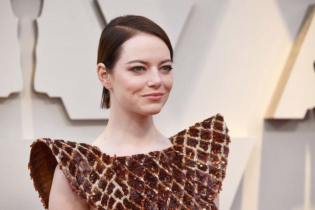 Emma Stone na gali rozdania Oskarów 2019. Jej sukienka budzi zabawne skojarzenia