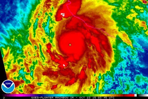 Potężny huragan Patricia dotarł do Meksyku