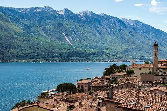 Widok na czyste wody jeziora Garda