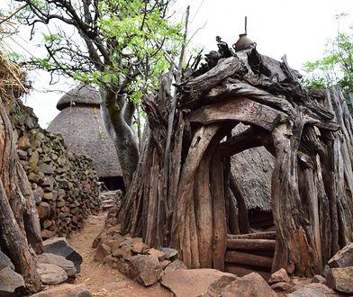 Konso to lud, który kultywuje czyny swoich przodków. Znajduje się w Etiopii