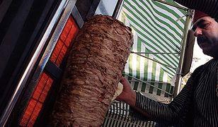 Sprzedawcy kebabów zadowoleni z Marszu Niepodległości. Padły rekordy sprzedaży