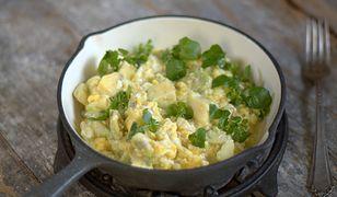 awokado z jajkami