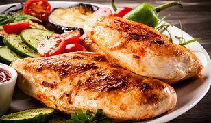 Pierś z kurczaka z purée ziemniaczano-selerowym i zieloną fasolką szparagową