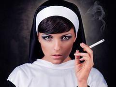 Barmanki w strojach zakonnic