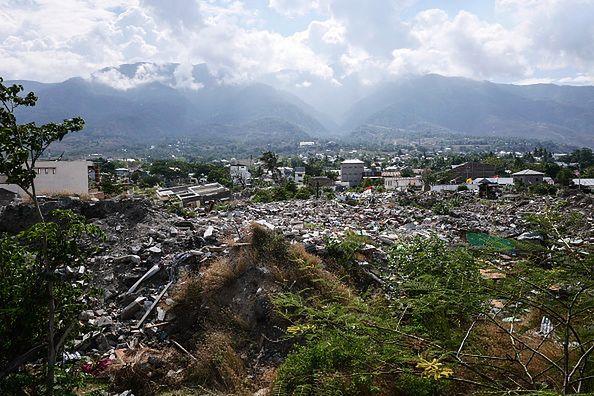Zniszczenia po trzęsieniu ziemi