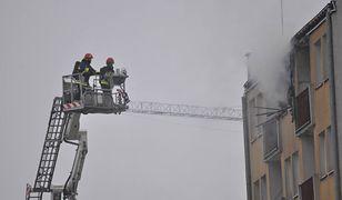 Powiśle: pożar mieszkania przy Dobrej. Poszkodowana jedna osoba