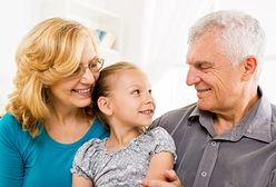 Dziadkowie: wakacyjna tania siła opiekuńcza