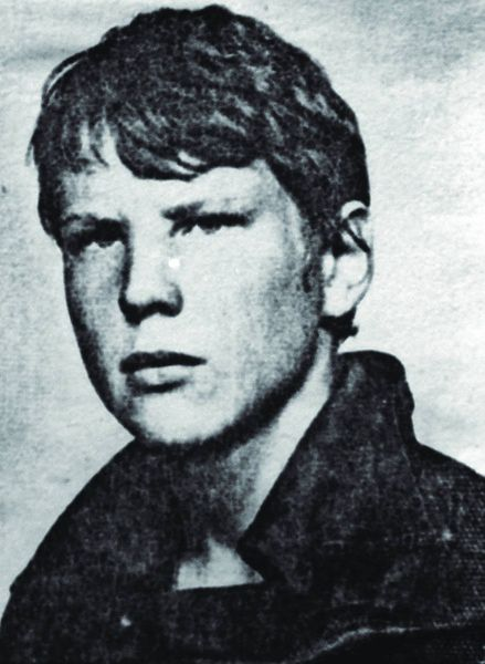 Grzegorz Przemyk był młodym poetą, brutalnie zamordowanym przez milicję