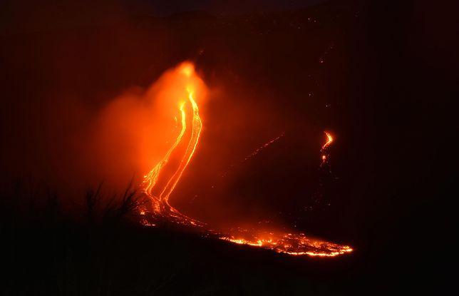 Silna erupcja Etny spowodowała serię wstrząsów na Sycylii