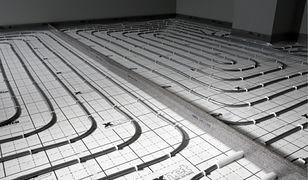 Oszczędzające energię ogrzewanie podłogowe