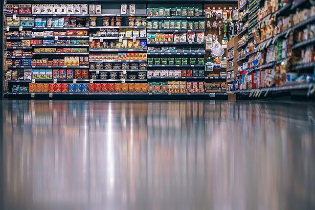 Czy 9 sierpnia przypada niedziela handlowa? Czy sklepy są otwarte?