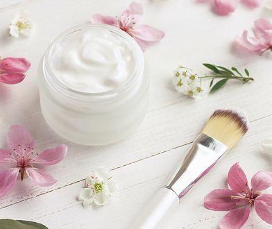 Kremy nie tylko nawilżają, ale też likwidują przebarwienia i zmywają makijaż
