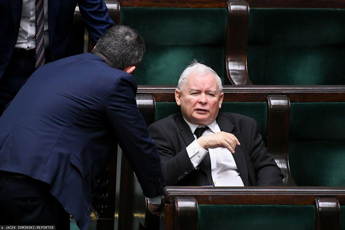 """Koronawirus w Polsce i rewolucja w Kodeksie wyborczym. Senat szykuje """"tamę"""" dla Kaczyńskiego"""