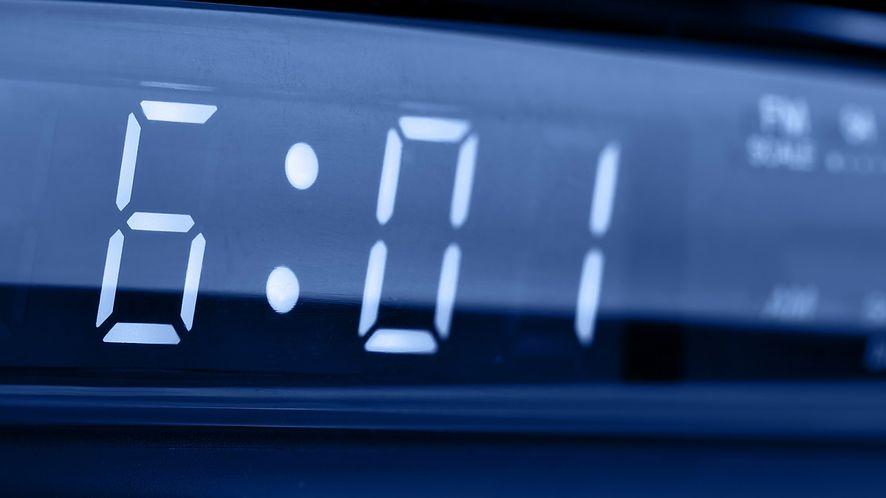 Zegar elektroniczny z depositphotos