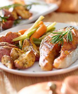 Dietetyczna kolacja. Co jeść wieczorem, by nie przytyć?