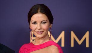 Zachwycająca Catherine Zeta-Jones na gali Emmy