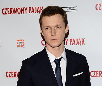 """Filip Pławiak, który gra w serialu """"Chyłka - Zaginięcie"""", jest jednym z najzdolniejszych aktorów młodego pokolenia"""