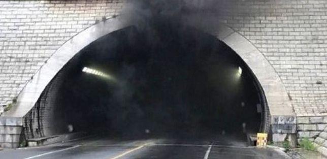 Autobus z przedszkolakami zapalił się w tunelu. Nie żyje 12 osób