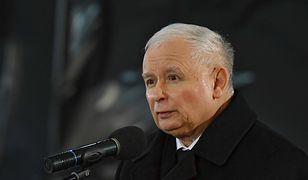 Sanepid bada czy Jarosław Kaczyński złamał obostrzenia podczas mszy