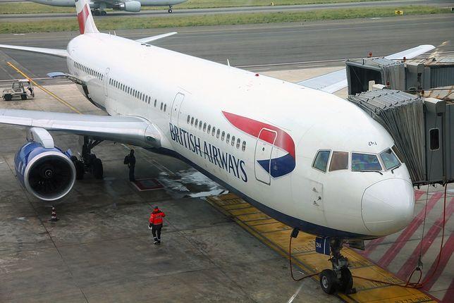 Samolot British Airways na lotnisku.