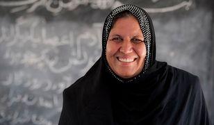 Poświęciła swoje życie, by nauczać małych uchodźców