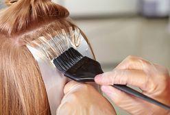 Jak zafarbować włosy? Utleniacz do włosów i jego działanie