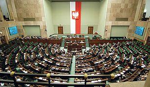 Sejm w trybie niejawnym nad odebraniem immunitetu Kamińskiemu