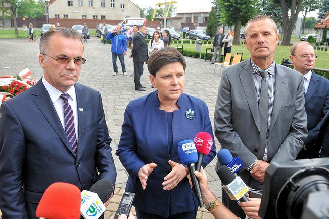 Na zdjęciu po prawej Zbigniew Starzec, starosta oświęcimski