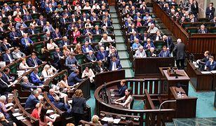 Sejm przyjął poprawki Senatu ws. ustawy o 500+ dla niepełnosprawnych