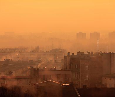 Śląskie dusi się w pyle. Ogromny smog i fatalna jakość powietrza